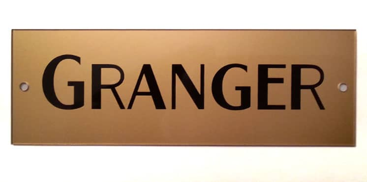 Granger Block Logo Plate